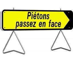 PANNEAU PIETONS PASSEZ EN FACE